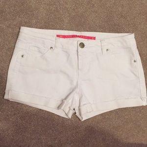 White shorts, size 3